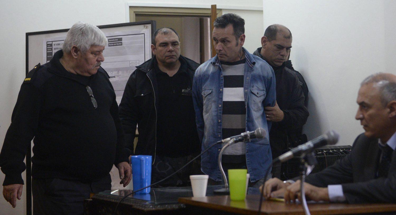Condenado por abuso de su ex mujer e hijas — Martínez Poch